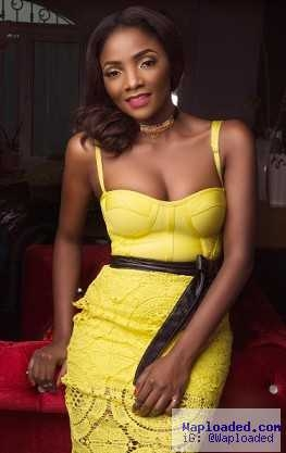 Simi Shows Off Cle?v?ge & Curves In Beautiful Yellow Outfit (Photos)